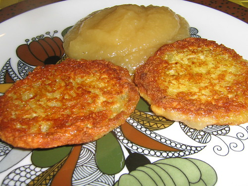 Potato fritter and apple sauce