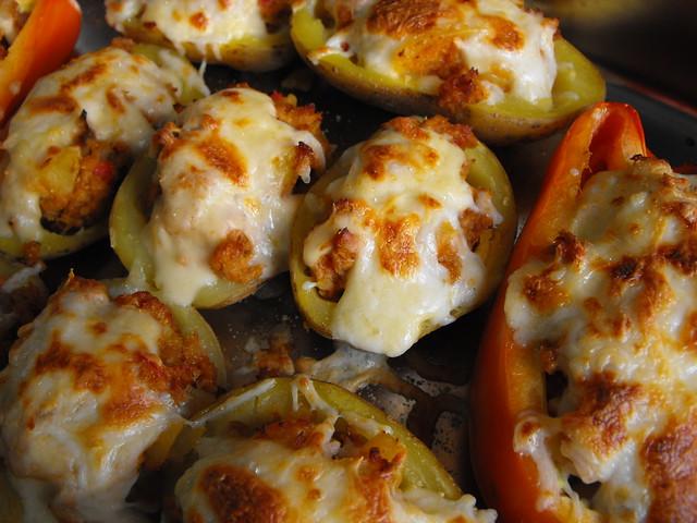 Batatas e pimentos recheados - desafio de Junho do Cozinheiras Desesperadas