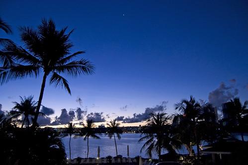 sunrise geotagged hotel hilton resort 大阪 日本 guam geo:lat=13505919 geo:lon=144785734