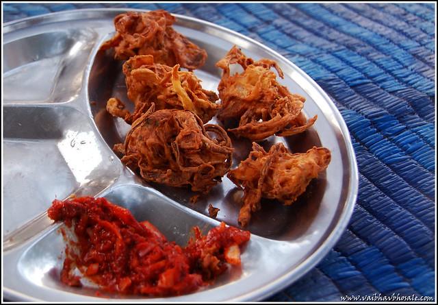 how to make kanda bhaji