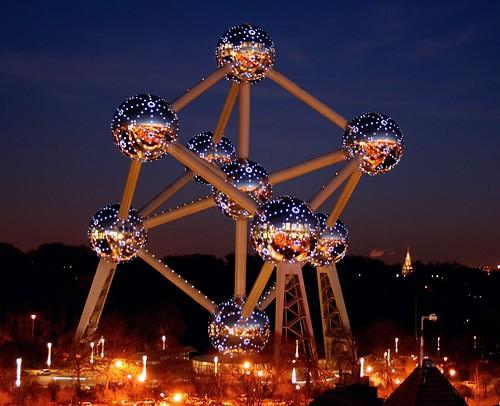 Belgium_Brussels_The_Atomium_Before_Earth_Hour__c__SABAM_20