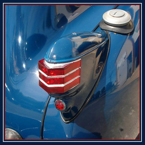 blue red detail vintage buick antique chrome lasalle collectible taillight 1693 cmwdblue cdgimages