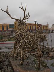 driftwood(0.0), deer(0.0), wood(0.0), art(1.0), tree(1.0), sculpture(1.0),