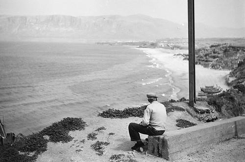 panorama landscape mare scanner tommaso barche come 1957 palermo spiaggia sicilia paesaggio analogica pescatore vecchiefoto anziani anni50 balestrate anziano pescatori comeeravamo eravamo bencini cometii commento evola volate yourcountry bwlimage tafme molovate sottolastazione