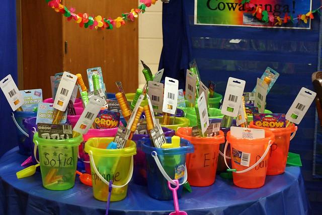 5813830266 fc70523324 z - Kindergarten Graduation Gift Ideas