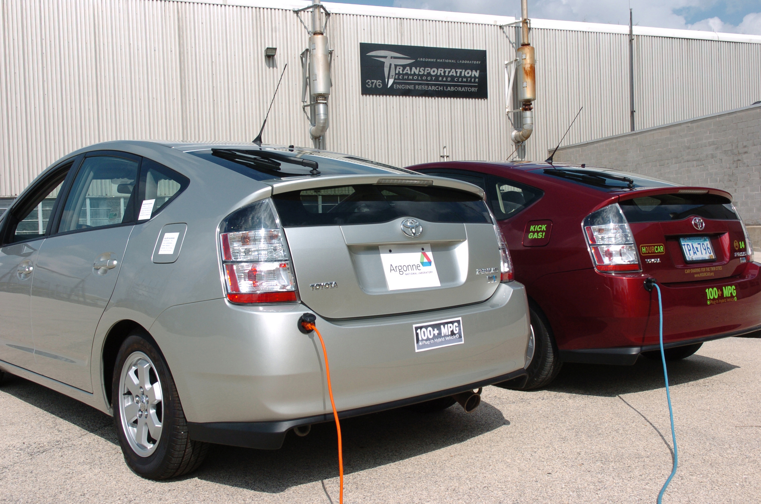 Electric Car Buyers Younger And Richer Than Those Who Buy Hybrids