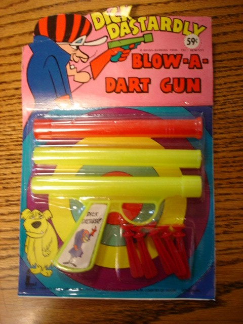 hb_dickdastardly_blowdartgun
