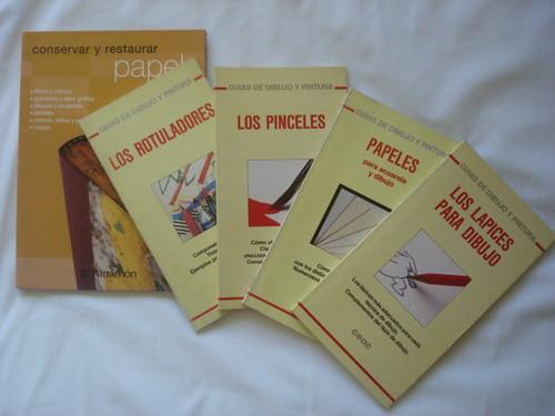 pequenos livros de bolso