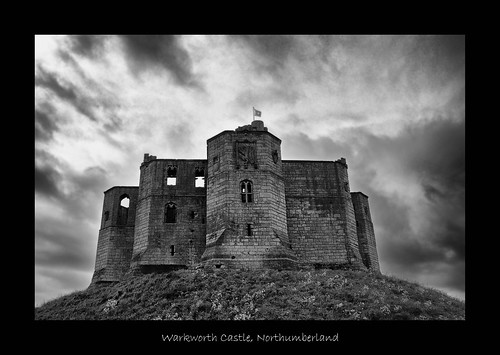 Warkworth Castle (June 2009 #1)