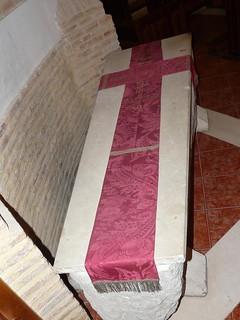 Sahagún, sepulcro con los restos del rey Alfonso VI.