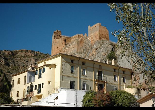 Palacio y castillo villel de mesa by alberto gimeno for Villel de mesa