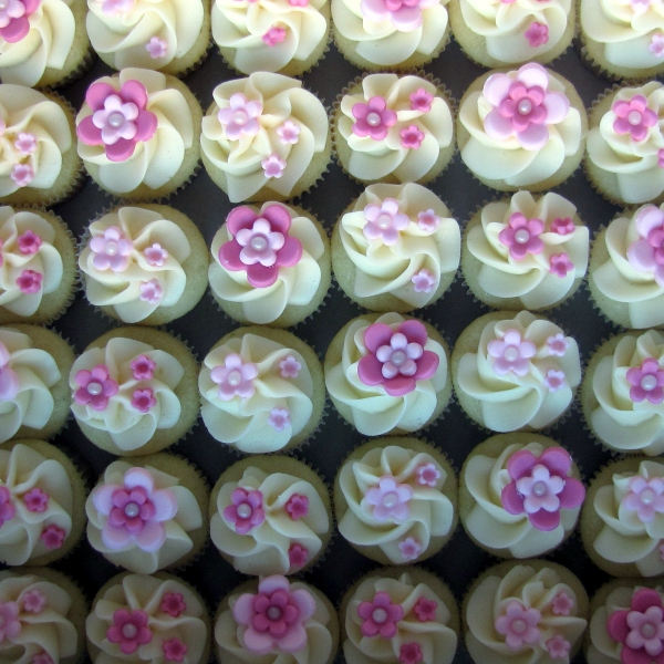 Floral Cake Decorations For Wedding