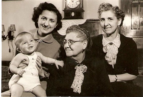 1953, women's four generations