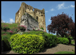 IMG_0126a Guildford Castle in the Sun
