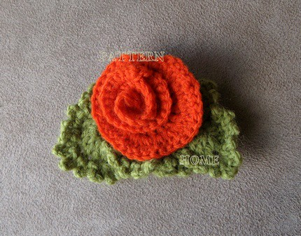 CHRISTMAS CROCHET LAPEL PIN - Crochet — Learn How to Crochet