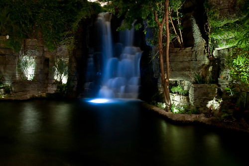 Opryland Hotel Delta waterfall