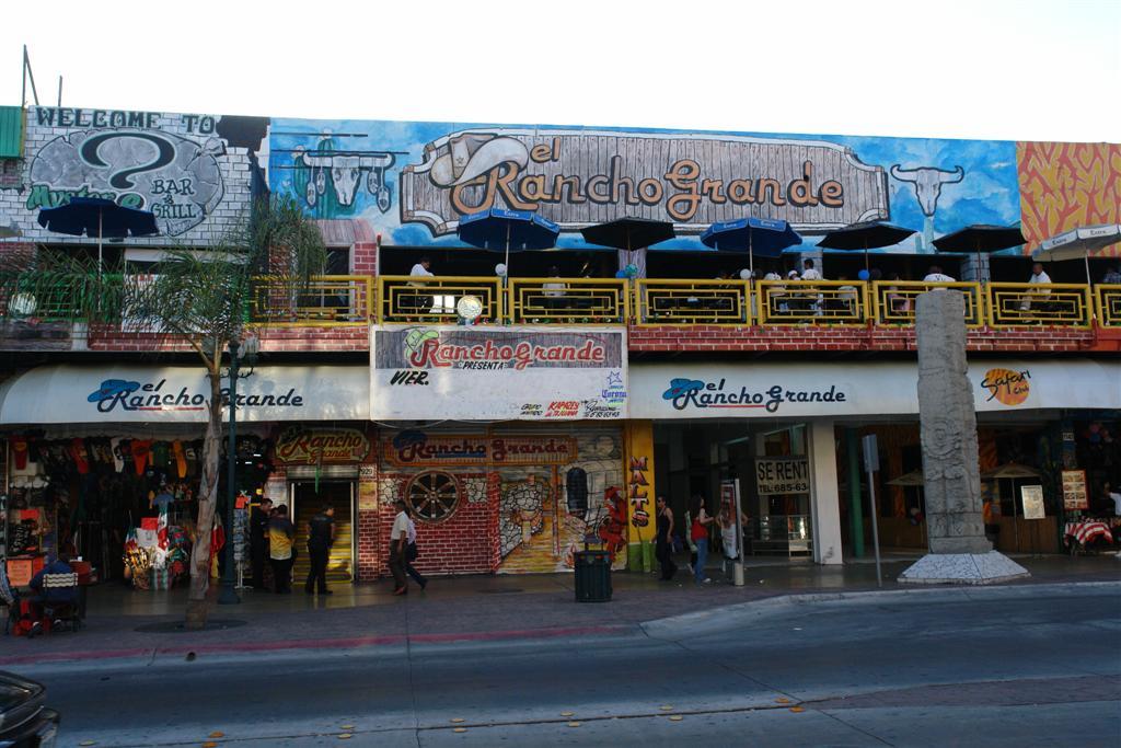 """Restaurante el Rancho Grande (Avenida Revolución) tijuana - 3359498597 3318d4bb27 o - Tijuana, La ciudad frontera con """"otro mundo"""""""