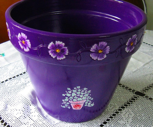 Vaso em cerâmica pintado à mão - Handpainted clay vase