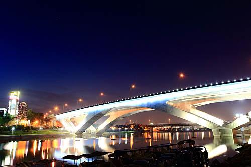 222I高速公路碧潭橋