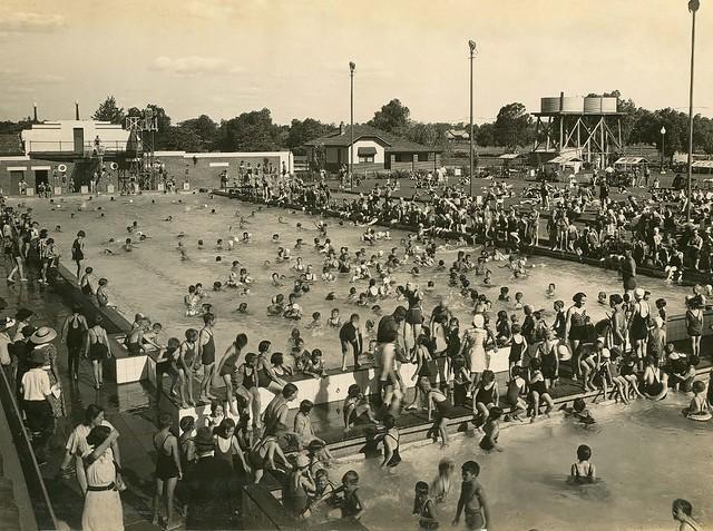 Dubbo swimming pool