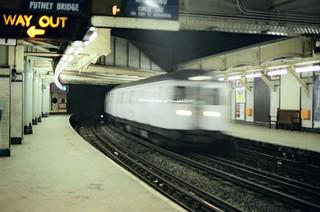 .8. //60g/1k/1056/6.f - London Underground / The Tube - Circle Line - UK 1987