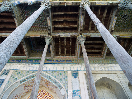 Bolo-hauz Mosque .Ceiling and wooden pillars