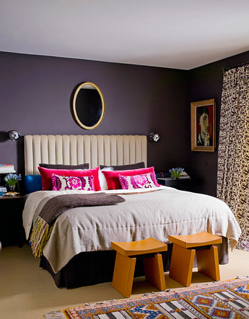 Modern, dark, cozy bedroom + colorful accents: Farrow & Ball's 'Mahogany'