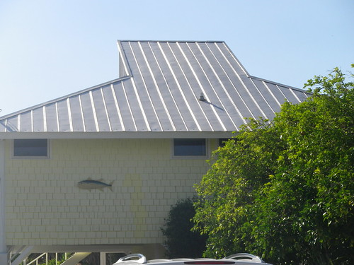 Pros And Cons Of Using Metal Roofs For Arizona Homes