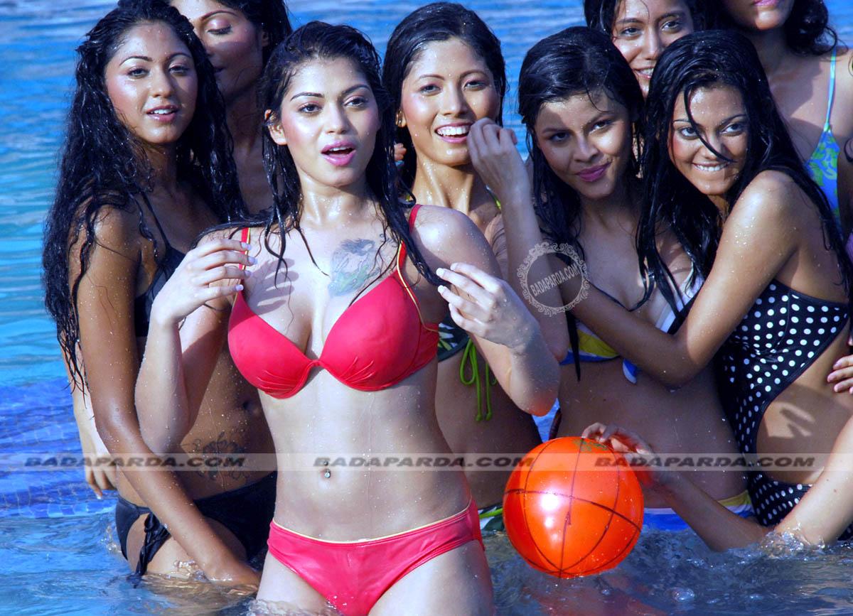 Фото девушек индианок в мини бикини 3 фотография