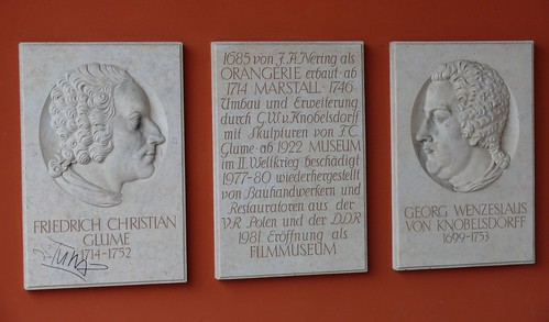 Gedenktafeln am Filmmuseum