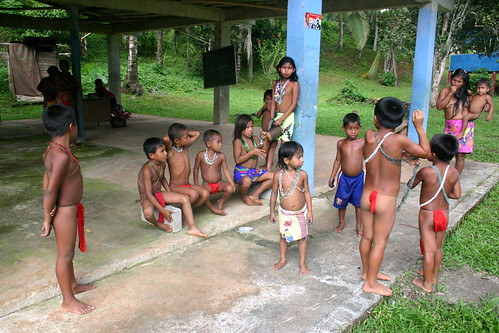 Embera Wounaan children