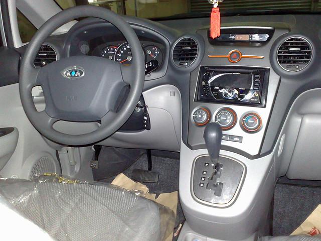 2009 Kia Carens Interior