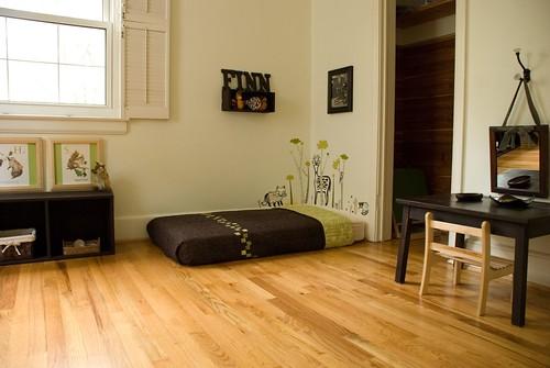 finnian 39 s montessori room sew liberated. Black Bedroom Furniture Sets. Home Design Ideas