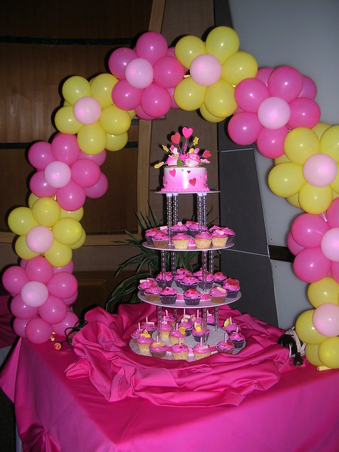 Fondant Cake Ball Design : cake balloon arch and cupcake tower Flickr - Photo Sharing!