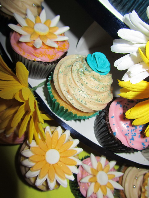 Blue and Yellow Daisythemed Wedding Cupcakes