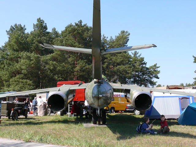 Heck: Jak-28 R