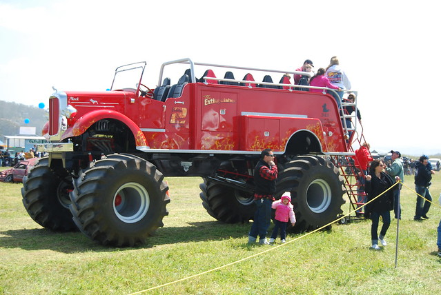 Big Red Old Cars Weekly
