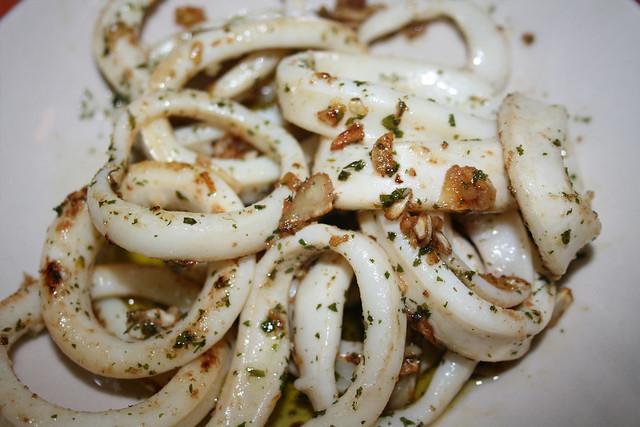 Calamares al ajillo flickr photo sharing for Hoya para cocinar