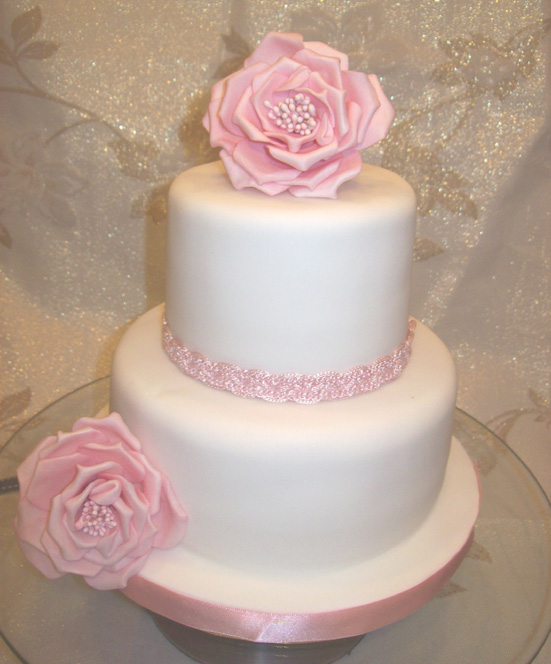 2 tier wedding cakes with red roses pink 2 tier wedding cake a photo on flickriver 10176