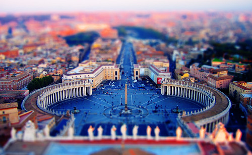 Pocket-sized Piazza San Pietro, Vatican City