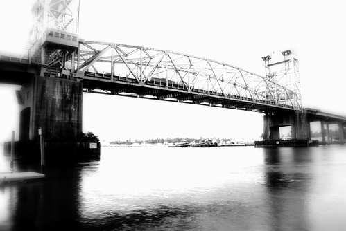 bridge blackandwhite river nikon capefearriver capefearmemorialbridge wilmingtonnorthcarolina d80
