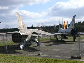 Heck: Su-7 und MiG-23