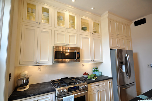 how to decorate series day 23 making a kitchen feel larger by brooklyn limestone. Black Bedroom Furniture Sets. Home Design Ideas
