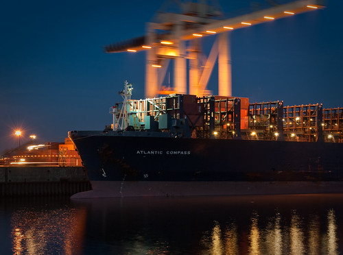 night port germany ship nightshot harbour crane hamburg vessel quay container acl roro atlanticcontainerline