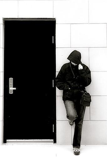 blackandwhite monochrome portraits shopping nikon waiting doors taxicabs annapolismaryland d300 rainyweather 1755nikkor platinumphoto aplusphoto theunforgettablepictures annapolistowncentre