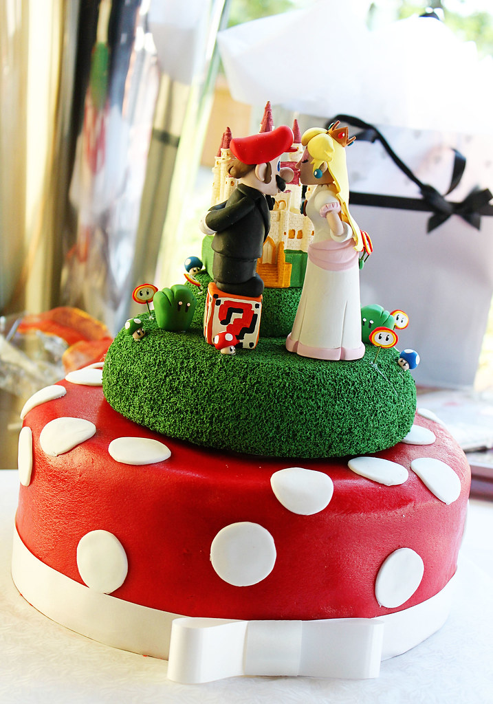 Super Mario & Princess Wedding Cake