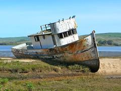 sea(0.0), fishing vessel(0.0), tugboat(0.0), vehicle(1.0), ship(1.0), ocean(1.0), watercraft(1.0), shipwreck(1.0), coast(1.0), boat(1.0), waterway(1.0),