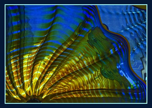 Chihuly plate