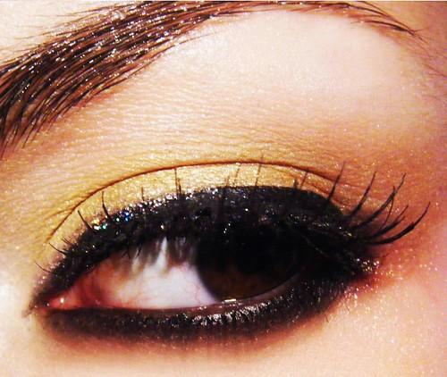 Make up giallo e arancio