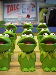 Kermit bobbleheads at Greetings From California
